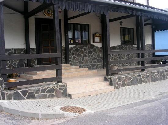Horehronská kúria Mansion